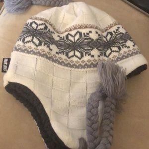 Muk Luk hat like new